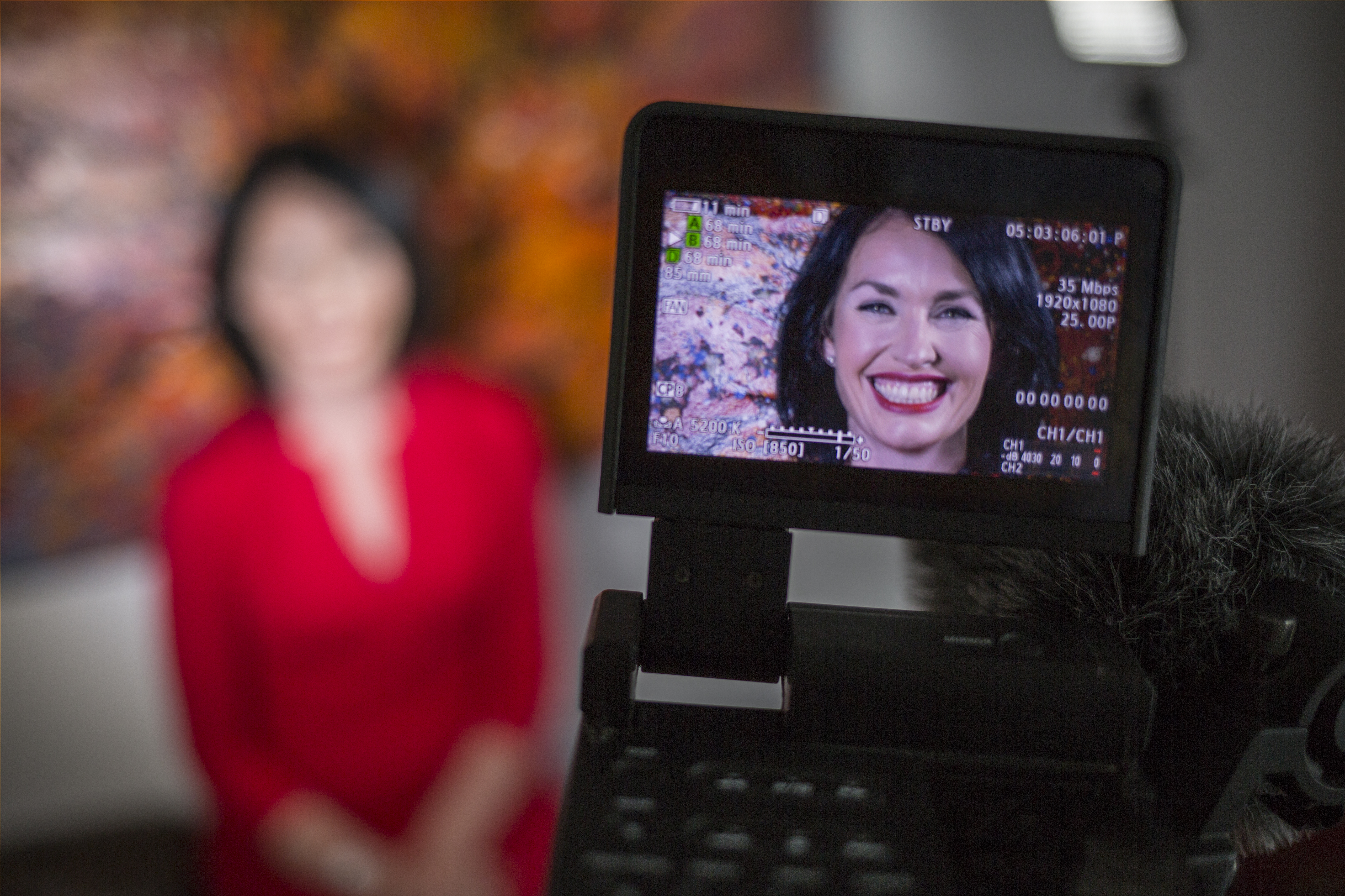 Feel Confident on Camera – 5 Tips to Help you Confidently Pitch, Present, Network and Talk on Camera
